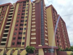 Apartamento En Ventaen Maracay, Base Aragua, Venezuela, VE RAH: 21-2772