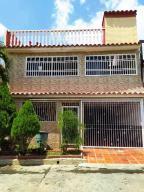 Casa En Ventaen Guatire, Country Club Buena Ventura, Venezuela, VE RAH: 21-6223