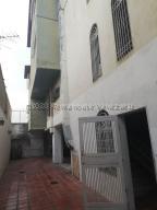 Apartamento En Ventaen Barquisimeto, Centro, Venezuela, VE RAH: 21-6235