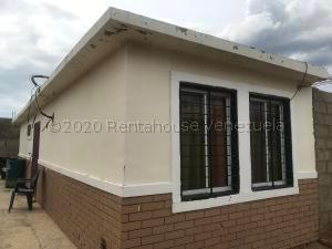 Casa En Ventaen Punto Fijo, Pedro Manuel Arcaya, Venezuela, VE RAH: 21-6335