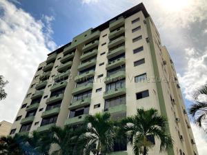 Apartamento En Ventaen Valencia, Valles De Camoruco, Venezuela, VE RAH: 21-7110