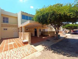 Townhouse En Alquileren Maracaibo, Avenida Milagro Norte, Venezuela, VE RAH: 21-6340