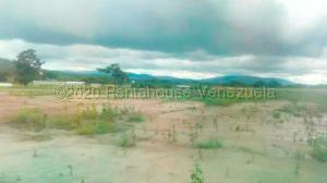 Terreno En Ventaen Yaritagua, Municipio Peña, Venezuela, VE RAH: 21-6345