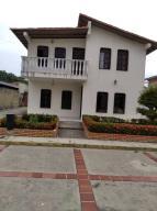 Casa En Ventaen Cabudare, Parroquia José Gregorio, Venezuela, VE RAH: 21-6349