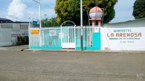 Local Comercial En Ventaen Guanare, Centro, Venezuela, VE RAH: 21-6385