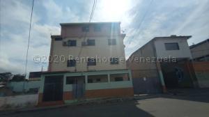 Apartamento En Ventaen Cabudare, La Mata, Venezuela, VE RAH: 21-6426