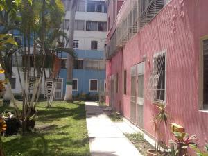 Apartamento En Ventaen Cabudare, Almarriera, Venezuela, VE RAH: 21-6448
