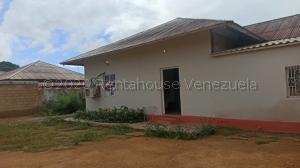 Casa En Ventaen Punto Fijo, Campo Maraven, Venezuela, VE RAH: 21-6454
