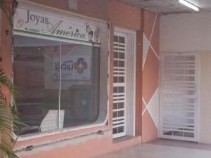 Local Comercial En Ventaen Cabudare, Centro, Venezuela, VE RAH: 21-6489