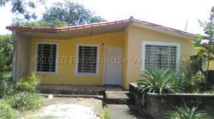 Casa En Ventaen Acarigua, Bosques De Camorucos, Venezuela, VE RAH: 21-6521