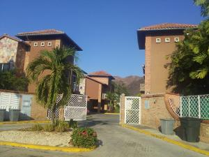 Casa En Ventaen Municipio San Diego, Villas De San Diego, Venezuela, VE RAH: 21-6562