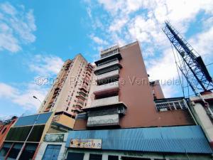 Apartamento En Ventaen Maracay, Avenida Bolivar, Venezuela, VE RAH: 21-6569