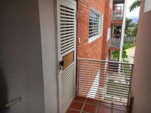 Apartamento En Ventaen Cabudare, Los Samanes, Venezuela, VE RAH: 21-6575