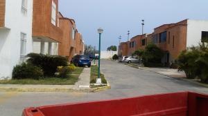 Casa En Ventaen Puerto Cabello, Cumboto, Venezuela, VE RAH: 21-6578