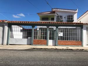 Casa En Ventaen Barquisimeto, Zona Este, Venezuela, VE RAH: 21-6584