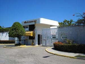 Apartamento En Ventaen Higuerote, Ciudad Balneario Higuerote, Venezuela, VE RAH: 21-6611