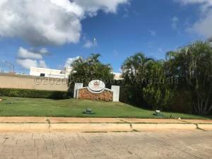Terreno En Ventaen Punto Fijo, Terrazas Club De Golf, Venezuela, VE RAH: 21-6599