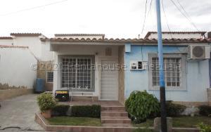 Casa En Ventaen Cabudare, Villa Roca, Venezuela, VE RAH: 21-6600