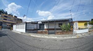 Casa En Ventaen Cabudare, Almarriera, Venezuela, VE RAH: 21-6648