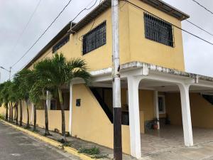 Casa En Ventaen Cabudare, La Mora, Venezuela, VE RAH: 21-6653