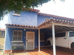 Townhouse En Ventaen Ciudad Ojeda, Cristobal Colon, Venezuela, VE RAH: 21-6678