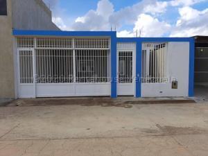Casa En Ventaen Punto Fijo, Guanadito, Venezuela, VE RAH: 21-5540