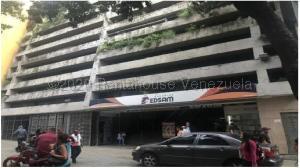 Local Comercial En Alquileren Caracas, Parroquia Catedral, Venezuela, VE RAH: 21-6683