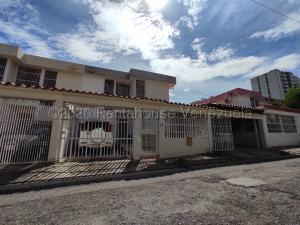Casa En Ventaen Barquisimeto, Club Hipico Las Trinitarias, Venezuela, VE RAH: 21-6737