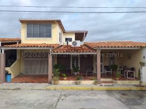 Casa En Ventaen Cabudare, Los Samanes, Venezuela, VE RAH: 21-6743