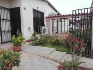 Casa En Ventaen Cabudare, Valle Hondo, Venezuela, VE RAH: 21-6784