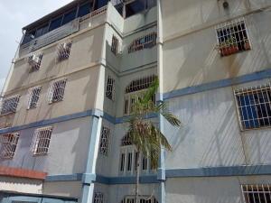 Apartamento En Ventaen Guarenas, Sector Industrial Cloris, Venezuela, VE RAH: 21-6821
