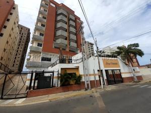 Apartamento En Ventaen Lecheria, El Morro Ii, Venezuela, VE RAH: 21-6956