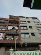 Apartamento En Ventaen Los Teques, Municipio Guaicaipuro, Venezuela, VE RAH: 21-6827