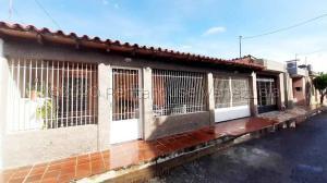 Casa En Ventaen Maracay, Las Aves, Venezuela, VE RAH: 21-6959