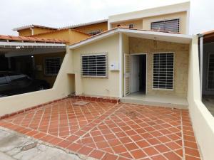 Casa En Ventaen Cabudare, Prados Del Golf, Venezuela, VE RAH: 21-6872