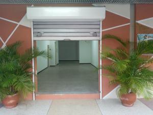 Local Comercial En Ventaen Cabudare, Centro, Venezuela, VE RAH: 21-6875