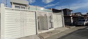 Casa En Ventaen Barquisimeto, Los Cardones, Venezuela, VE RAH: 21-6917