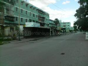 Apartamento En Ventaen Valencia, La Isabelica, Venezuela, VE RAH: 21-6979