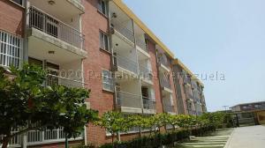Apartamento En Ventaen Higuerote, La Costanera, Venezuela, VE RAH: 21-6993