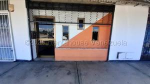 Oficina En Alquileren Valencia, Zona Industrial, Venezuela, VE RAH: 21-6976