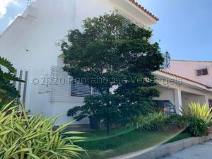 Casa En Ventaen Valencia, Las Clavellinas, Venezuela, VE RAH: 21-6980