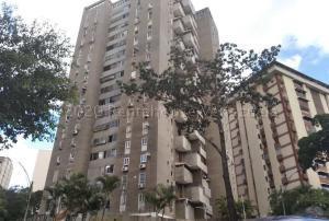 Apartamento En Ventaen Caracas, Prado Humboldt, Venezuela, VE RAH: 21-7288