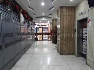 Local Comercial En Alquileren Maracay, Zona Centro, Venezuela, VE RAH: 21-7027