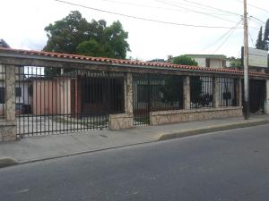 Casa En Ventaen Barquisimeto, Parroquia Juan De Villegas, Venezuela, VE RAH: 21-7025
