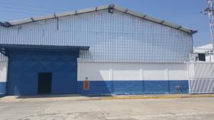 Galpon - Deposito En Alquileren Guacara, Carret Guacara - San Joaquin, Venezuela, VE RAH: 21-8857