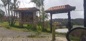 Terreno En Ventaen Caracas, El Junquito, Venezuela, VE RAH: 21-7083