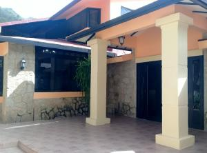 Casa En Ventaen Maracay, El Castaño (Zona Privada), Venezuela, VE RAH: 21-7090