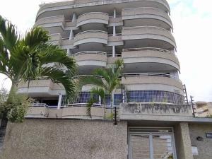 Apartamento En Ventaen Parroquia Caraballeda, Caribe, Venezuela, VE RAH: 21-7092