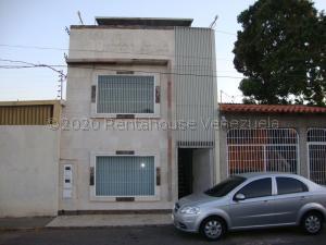 Casa En Ventaen Barquisimeto, Zona Este, Venezuela, VE RAH: 21-7073