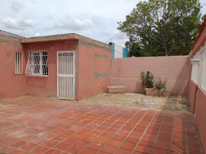 Casa En Ventaen Coro, Cruz Verde, Venezuela, VE RAH: 21-7107